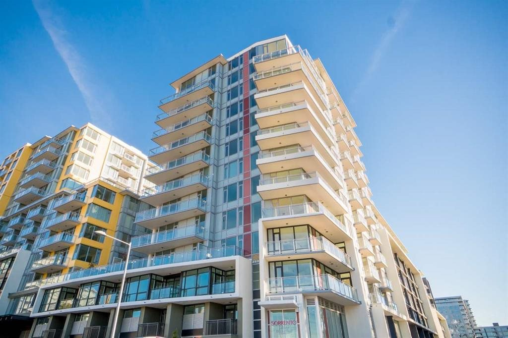 Main Photo: 703 8628 HAZELBRIDGE Way in Richmond: West Cambie Condo for sale : MLS®# R2319695