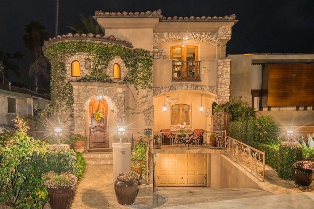 Main Photo: LA JOLLA House for sale : 4 bedrooms : 7964 Prospect Place