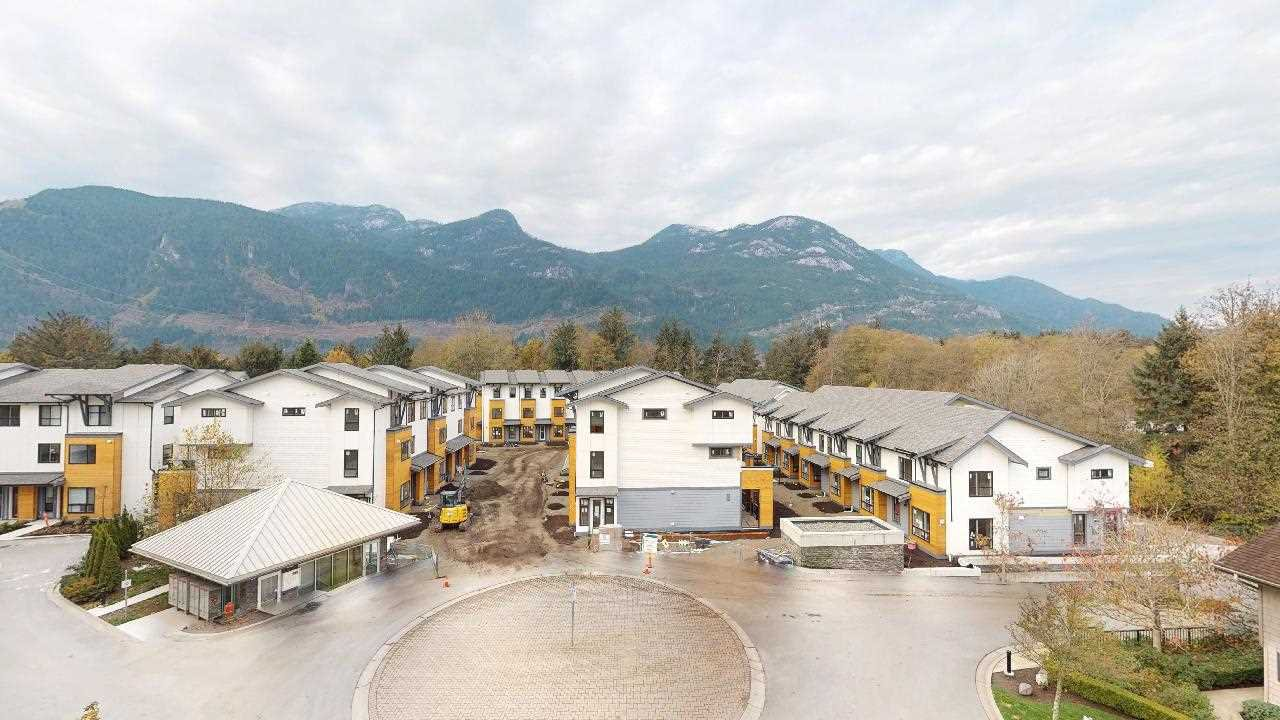 "Main Photo: 415 1212 MAIN Street in Squamish: Downtown SQ Condo for sale in ""AQUA"" : MLS®# R2328856"