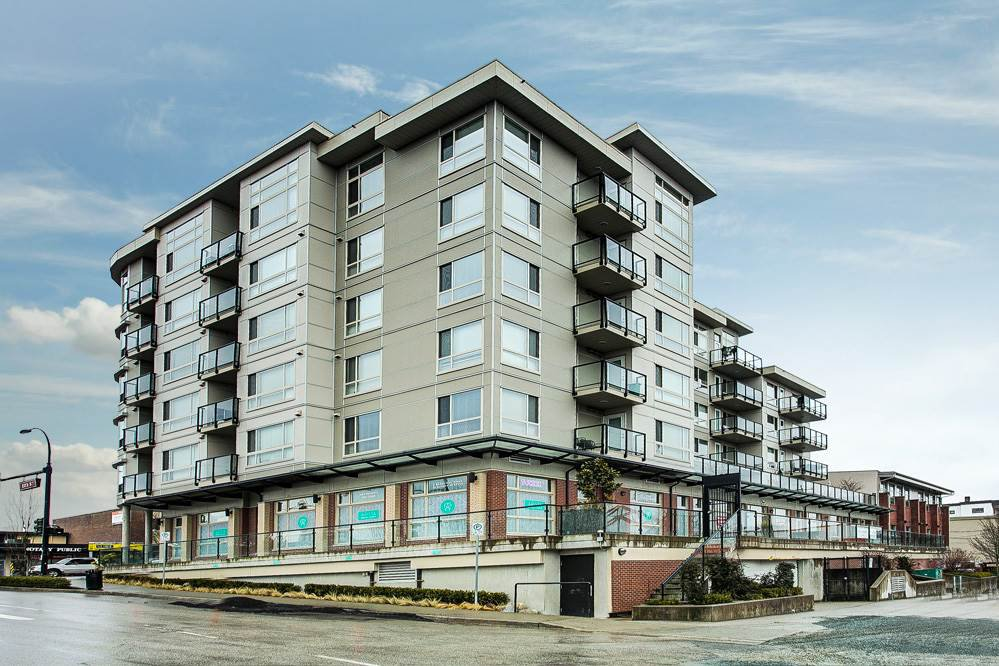 "Main Photo: 503 22318 LOUGHEED Highway in Maple Ridge: West Central Condo for sale in ""223 NORTH"" : MLS®# R2348237"