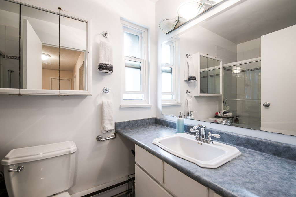 """Photo 19: Photos: 3472 NAIRN Avenue in Vancouver: Champlain Heights Townhouse for sale in """"COUNTRY LANE"""" (Vancouver East)  : MLS®# R2358449"""