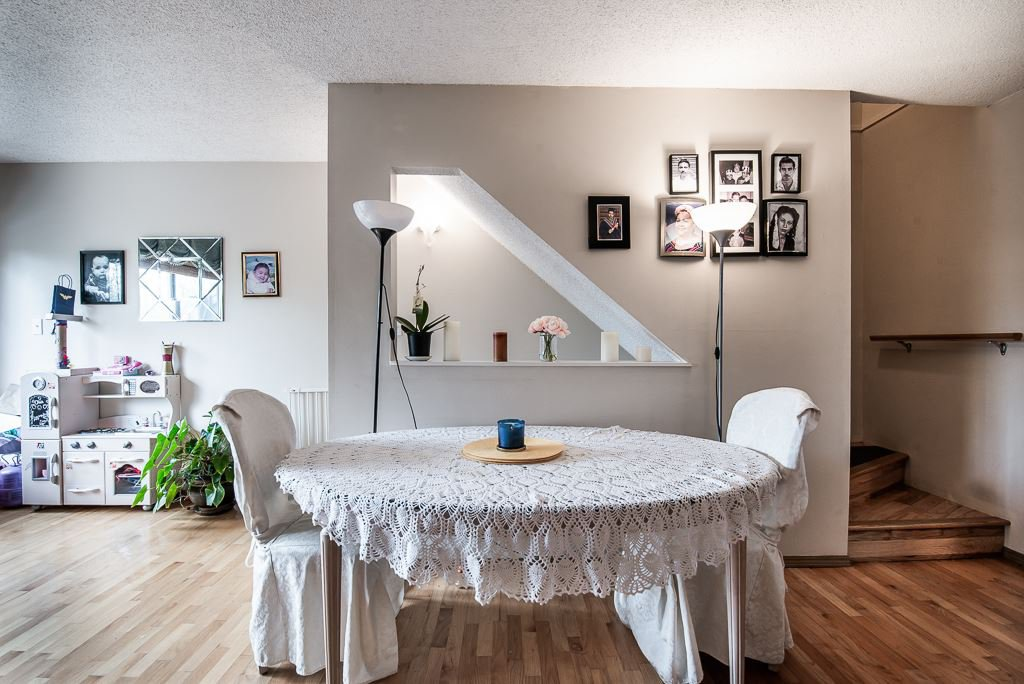 """Photo 10: Photos: 3472 NAIRN Avenue in Vancouver: Champlain Heights Townhouse for sale in """"COUNTRY LANE"""" (Vancouver East)  : MLS®# R2358449"""