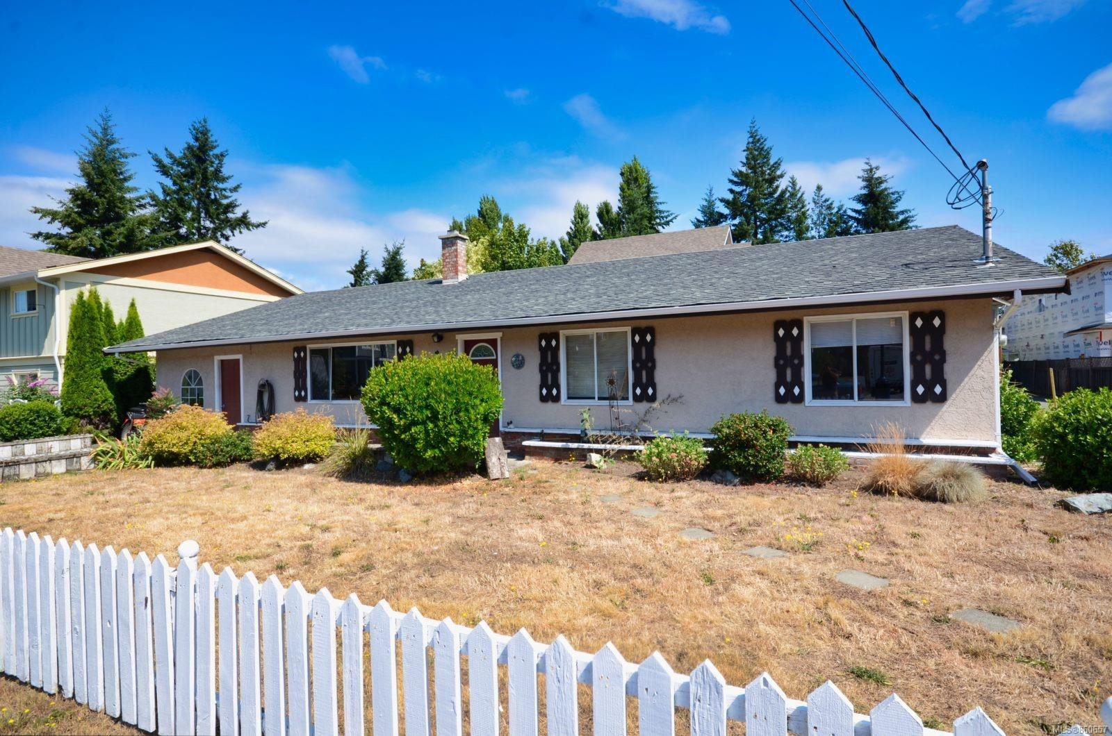 Main Photo: 956 Isabell Ave in : La Walfred House for sale (Langford)  : MLS®# 860657