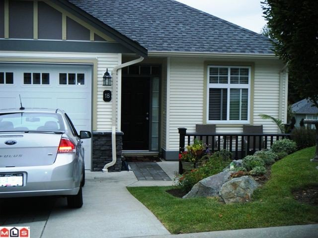 """Main Photo: 18 36260 MCKEE Road in Abbotsford: Abbotsford East Townhouse for sale in """"King's Gate"""" : MLS®# F1122177"""