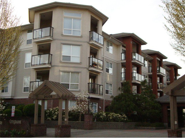 Main Photo: 205 20239 MICHAUD Crescent in Langley: Langley City Condo for sale : MLS®# F1326980
