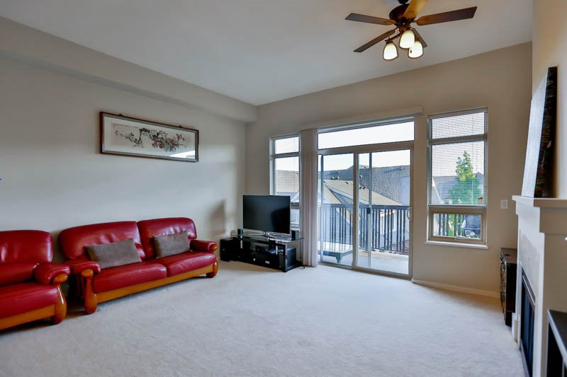 Photo 3: Photos: 23 1362 PURCELL Drive in Coquitlam: Westwood Plateau Townhouse for sale : MLS®# R2071518