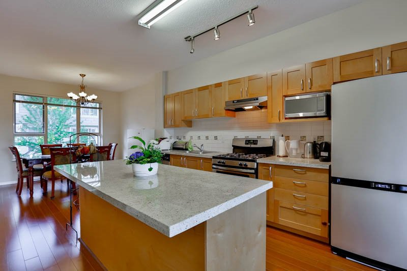 Photo 8: Photos: 23 1362 PURCELL Drive in Coquitlam: Westwood Plateau Townhouse for sale : MLS®# R2071518