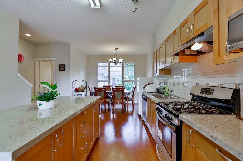 Photo 7: Photos: 23 1362 PURCELL Drive in Coquitlam: Westwood Plateau Townhouse for sale : MLS®# R2071518