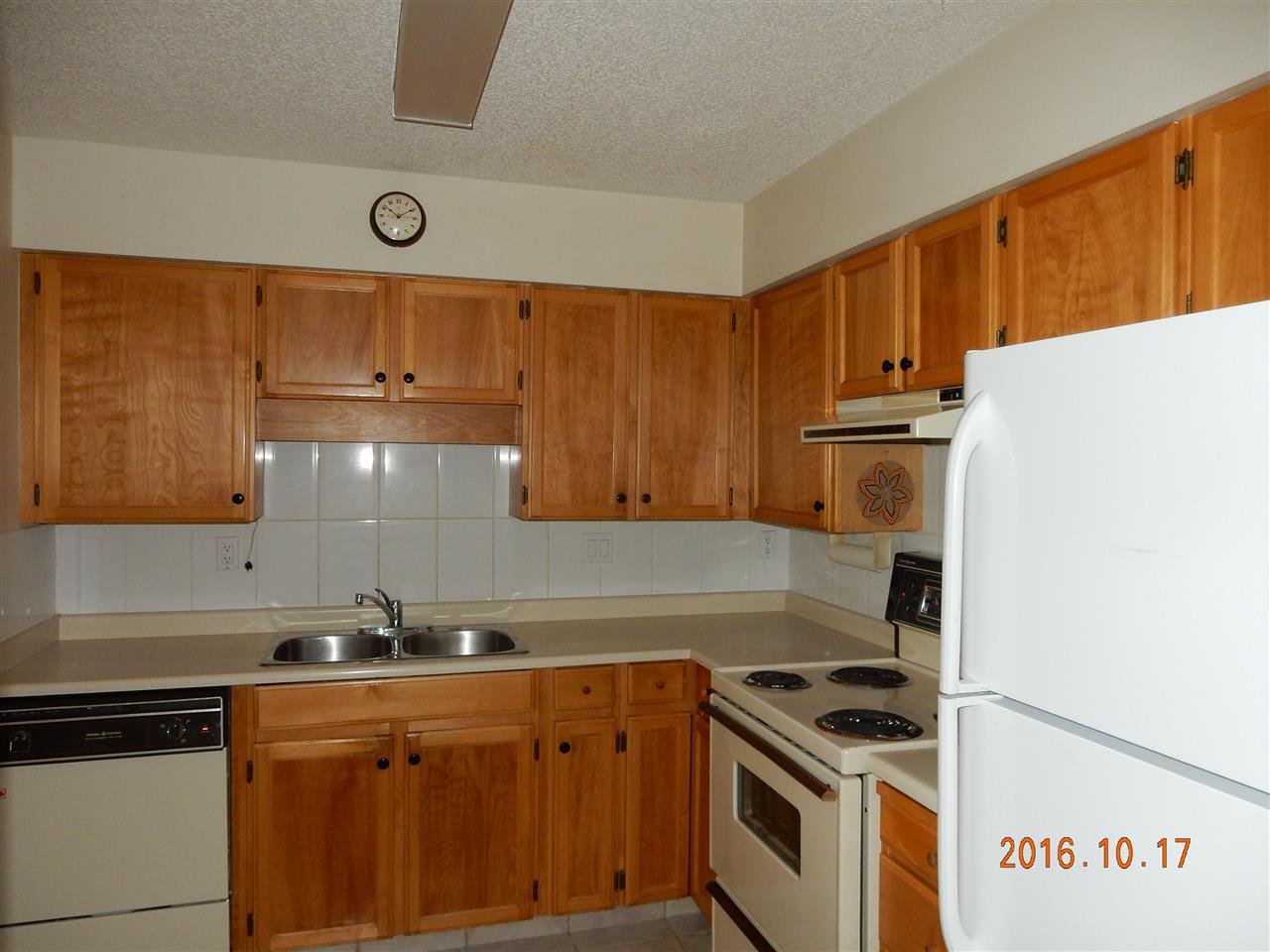 """Photo 4: Photos: 816 31955 OLD YALE Road in Abbotsford: Abbotsford West Condo for sale in """"Evergreen Village"""" : MLS®# R2117382"""