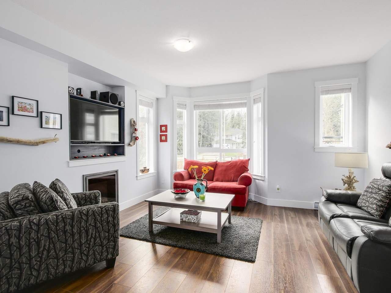 """Photo 2: Photos: 81 14433 60 Avenue in Surrey: Sullivan Station Townhouse for sale in """"Brixton"""" : MLS®# R2152345"""