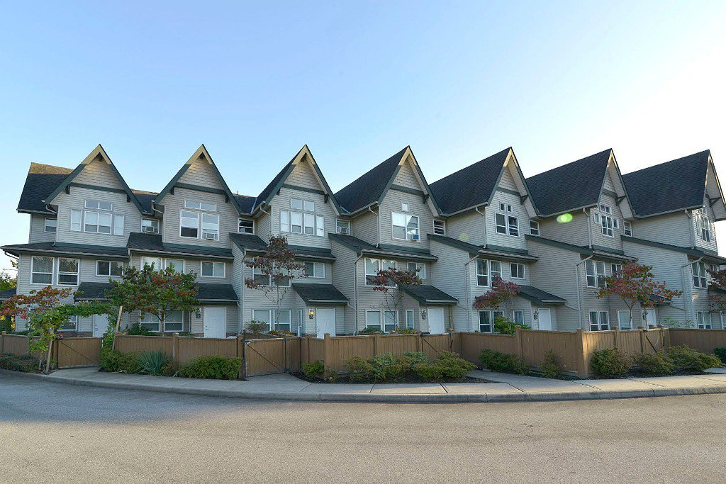 Main Photo: 2 1380 CITADEL DRIVE: Townhouse for sale : MLS®# R2004864