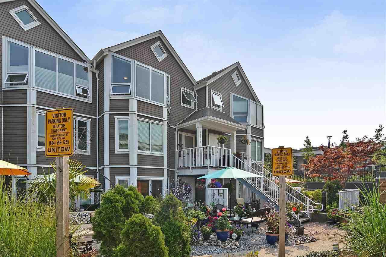 "Main Photo: 14832 BEACHVIEW Avenue: White Rock Townhouse for sale in ""Marine Court"" (South Surrey White Rock)  : MLS®# R2196404"