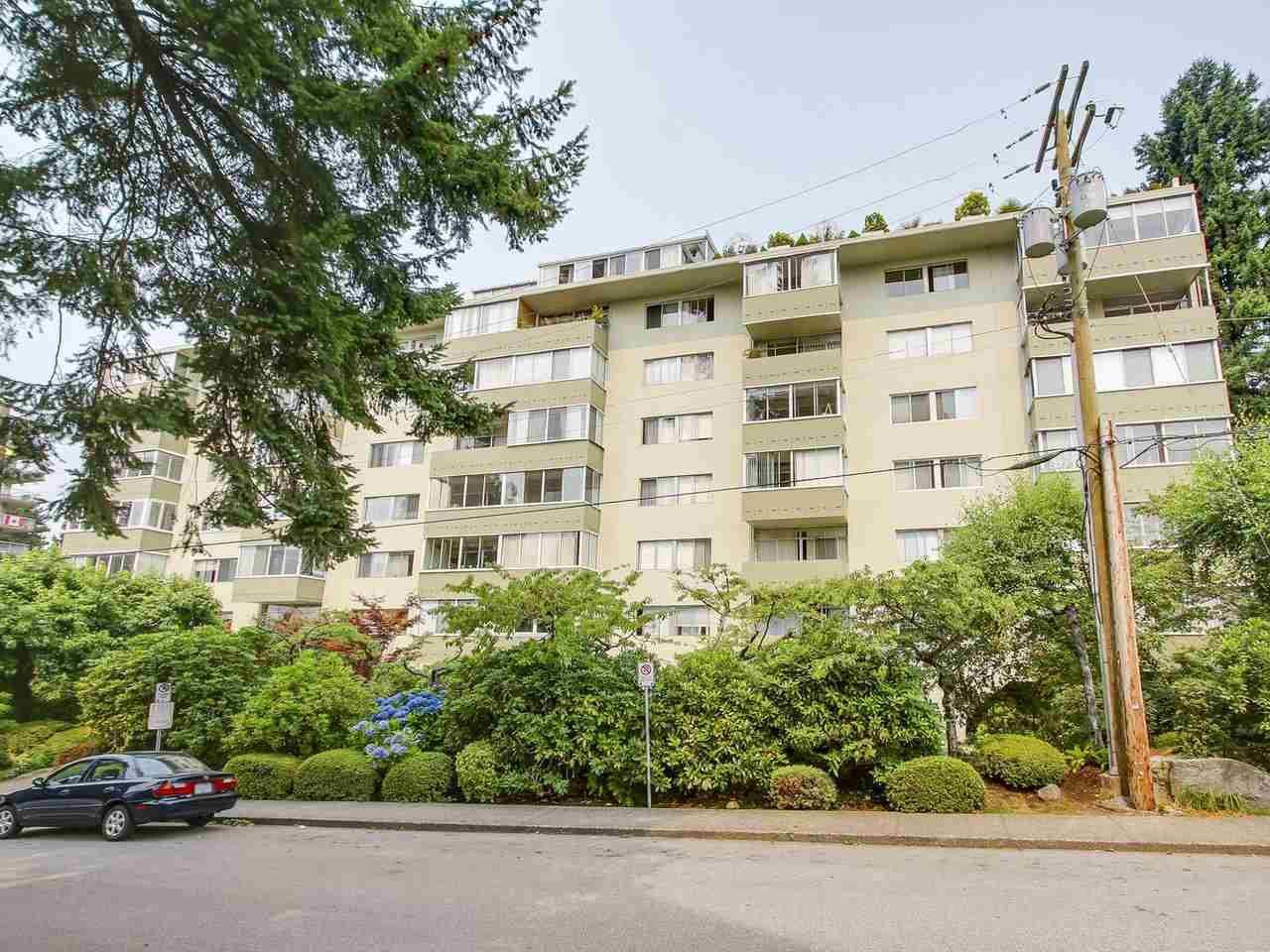Main Photo: 606 1425 ESQUIMALT AVENUE in West Vancouver: Ambleside Condo for sale : MLS®# R2194722