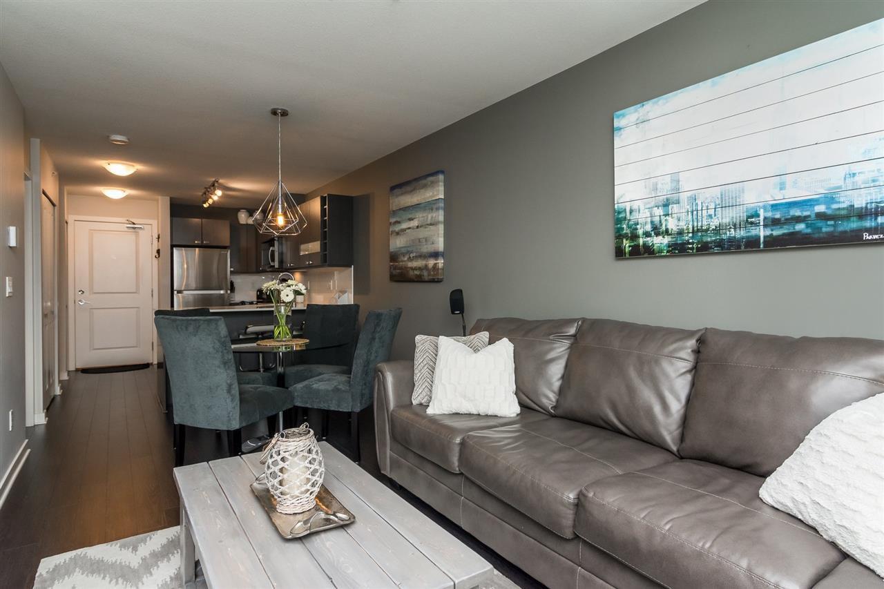 "Photo 5: Photos: 427 21009 56 Avenue in Langley: Salmon River Condo for sale in ""CORNERSTONE"" : MLS®# R2215302"