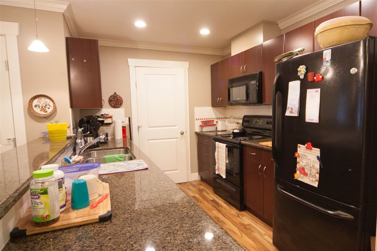 """Photo 7: Photos: 101 33255 OLD YALE Road in Abbotsford: Central Abbotsford Condo for sale in """"Brixton"""" : MLS®# R2230164"""