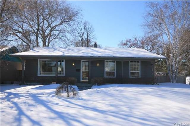 Main Photo: 3 Pembridge Bay in Winnipeg: Meadowood Residential for sale (2E)  : MLS®# 1804115