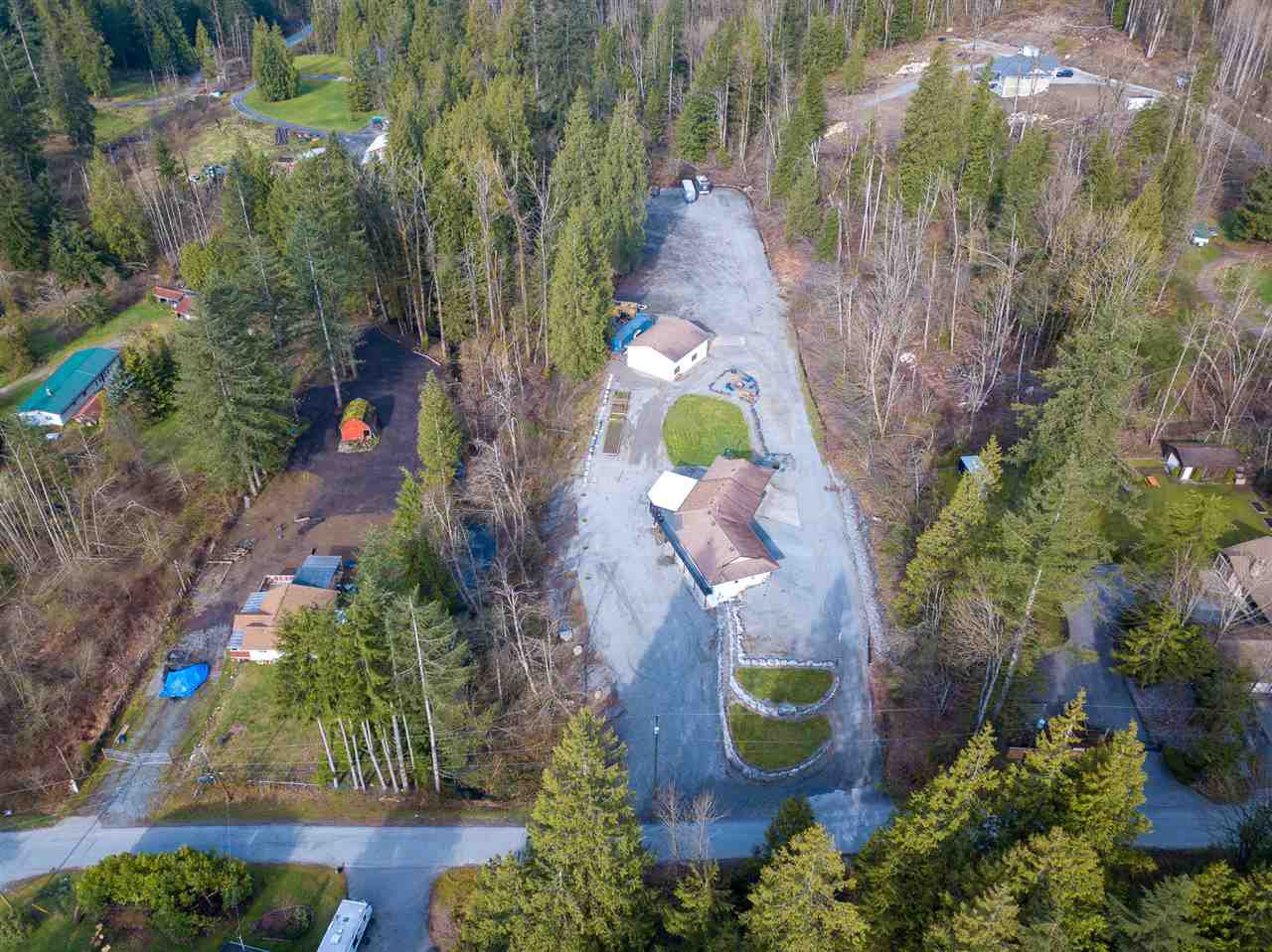 Main Photo: 9567 BRENDA Street in Mission: Mission BC House for sale : MLS®# R2265075