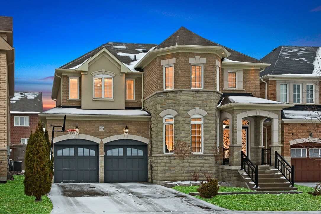 Main Photo: 995 Ernest Cousins Circle in Newmarket: Stonehaven-Wyndham House (2-Storey) for sale : MLS®# N4356964