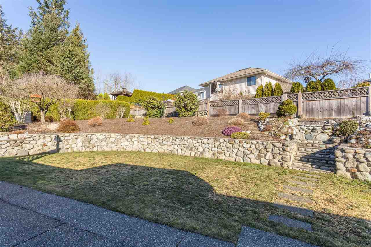 Photo 20: Photos: 34935 GLENALMOND Place in Abbotsford: Abbotsford East House for sale : MLS®# R2350429
