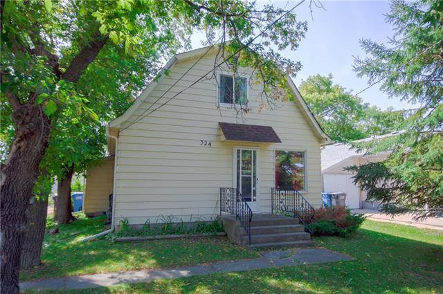 Main Photo: 324 Evelyn Avenue: West St Paul Residential for sale (R15)  : MLS®# 1907035