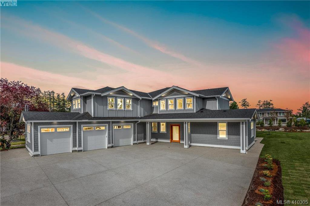 Main Photo: 10709 Mcdonald Park Road in NORTH SAANICH: NS McDonald Park Single Family Detached for sale (North Saanich)  : MLS®# 410305