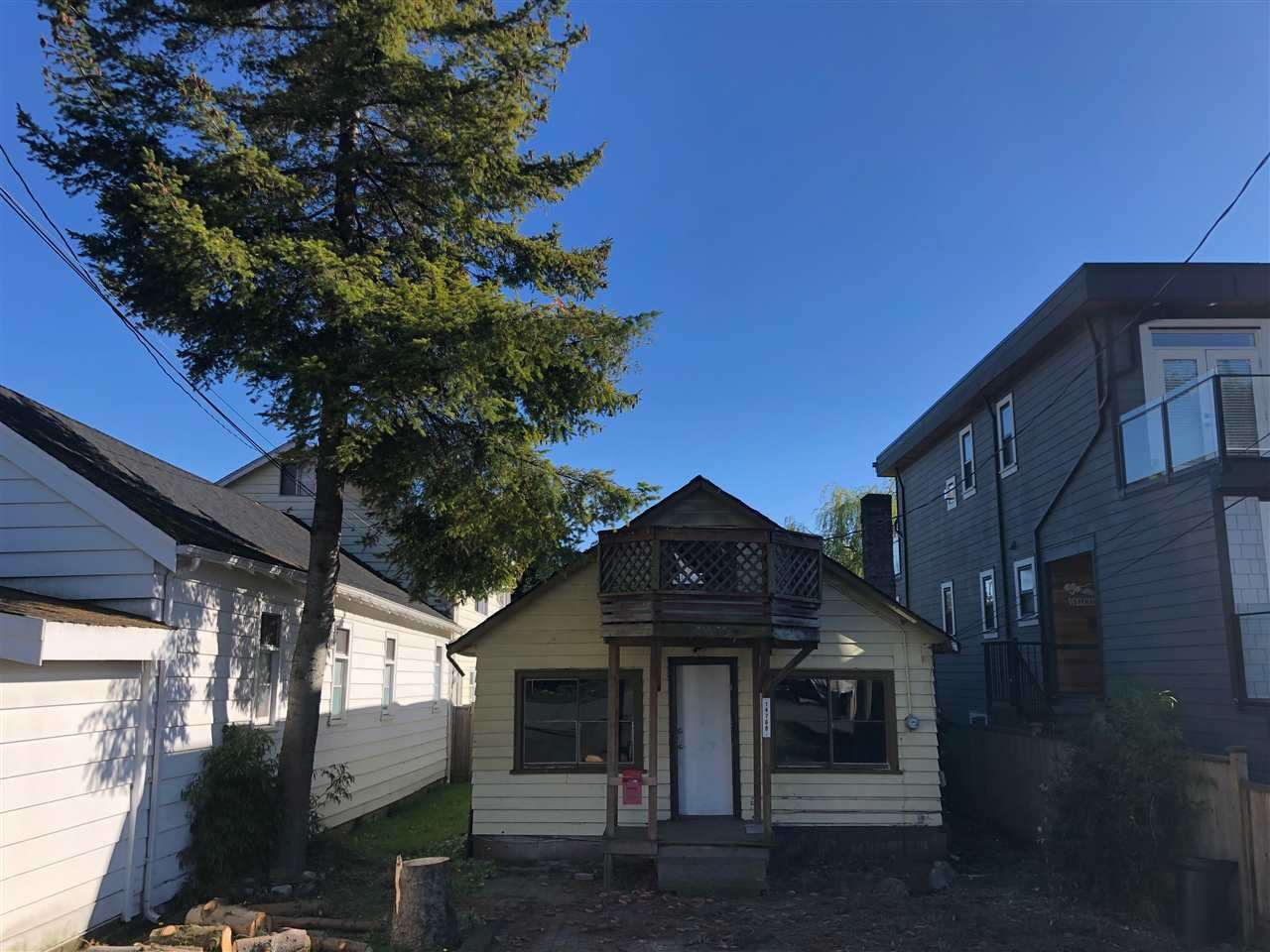 "Main Photo: 14768 GORDON Avenue: White Rock House for sale in ""WEST BEACH"" (South Surrey White Rock)  : MLS®# R2375765"