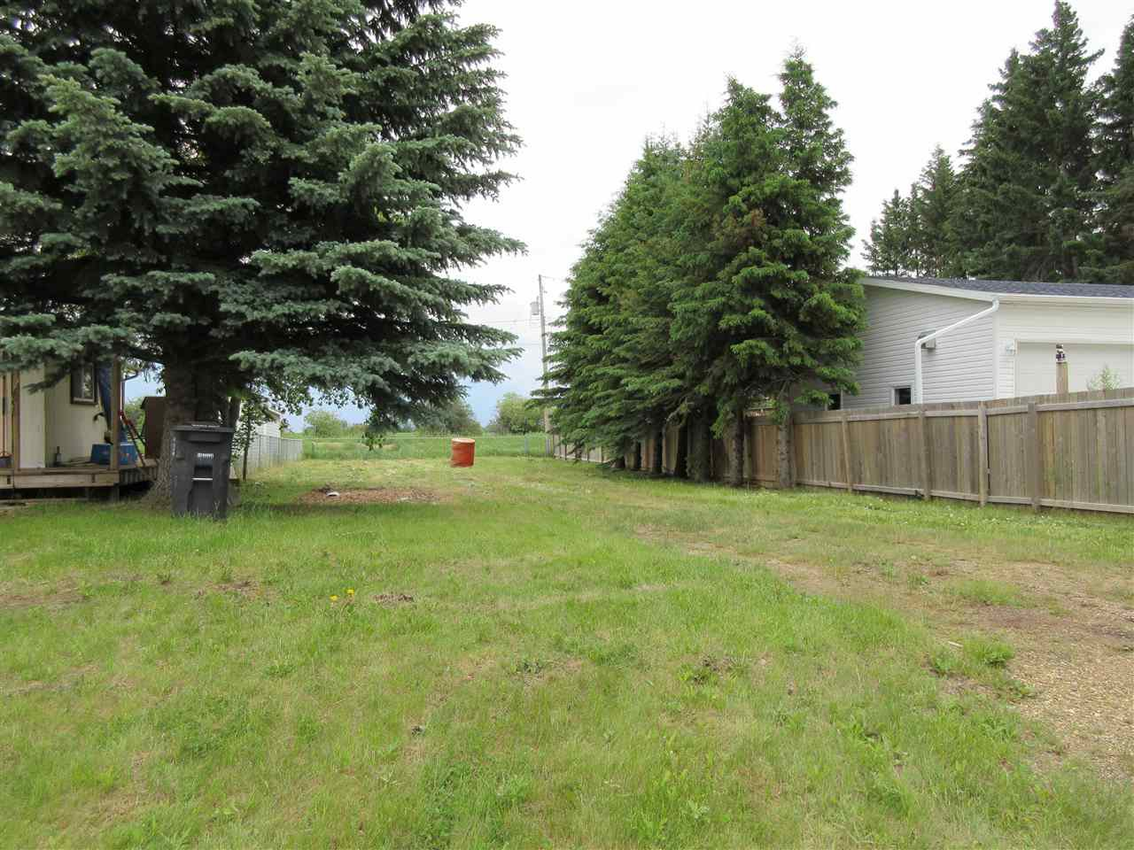 Main Photo: 913 1 Street: Thorhild Vacant Lot for sale : MLS®# E4162857