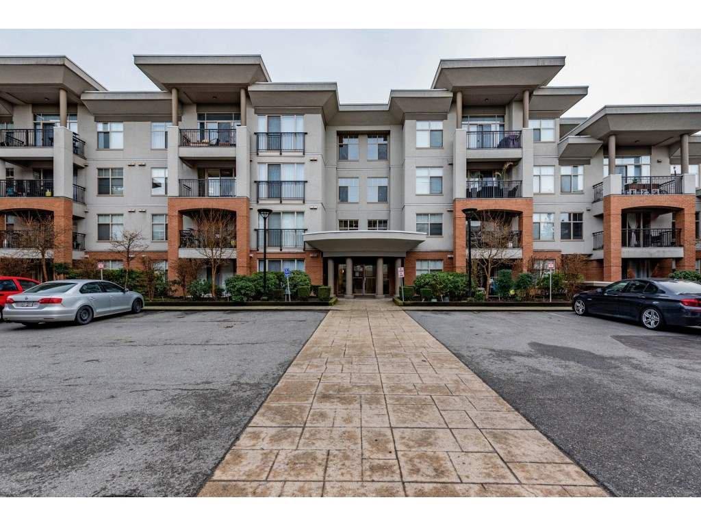 """Main Photo: 406 33545 RAINBOW Avenue in Abbotsford: Central Abbotsford Condo for sale in """"Tempo"""" : MLS®# R2527178"""