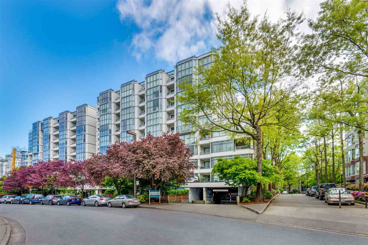 "Main Photo: 304 456 MOBERLY Road in Vancouver: False Creek Condo for sale in ""Pacific Cove"" (Vancouver West)  : MLS®# R2527647"