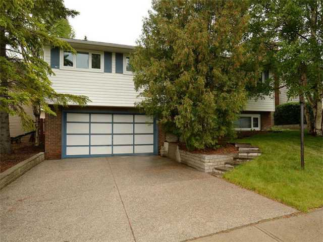 Main Photo:  in CALGARY: Silver Springs Residential Detached Single Family for sale (Calgary)  : MLS®# C3621540