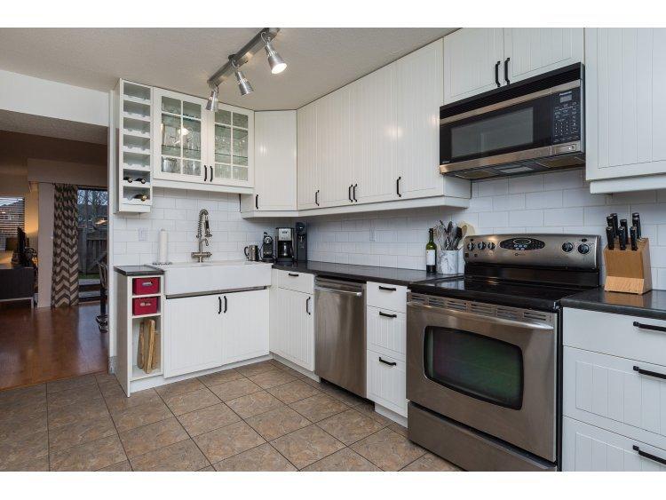 "Main Photo: 37 4800 TRIMARAN Drive in Richmond: Steveston South Townhouse for sale in ""BIRCHWOOD ESTATES"" : MLS®# R2018646"