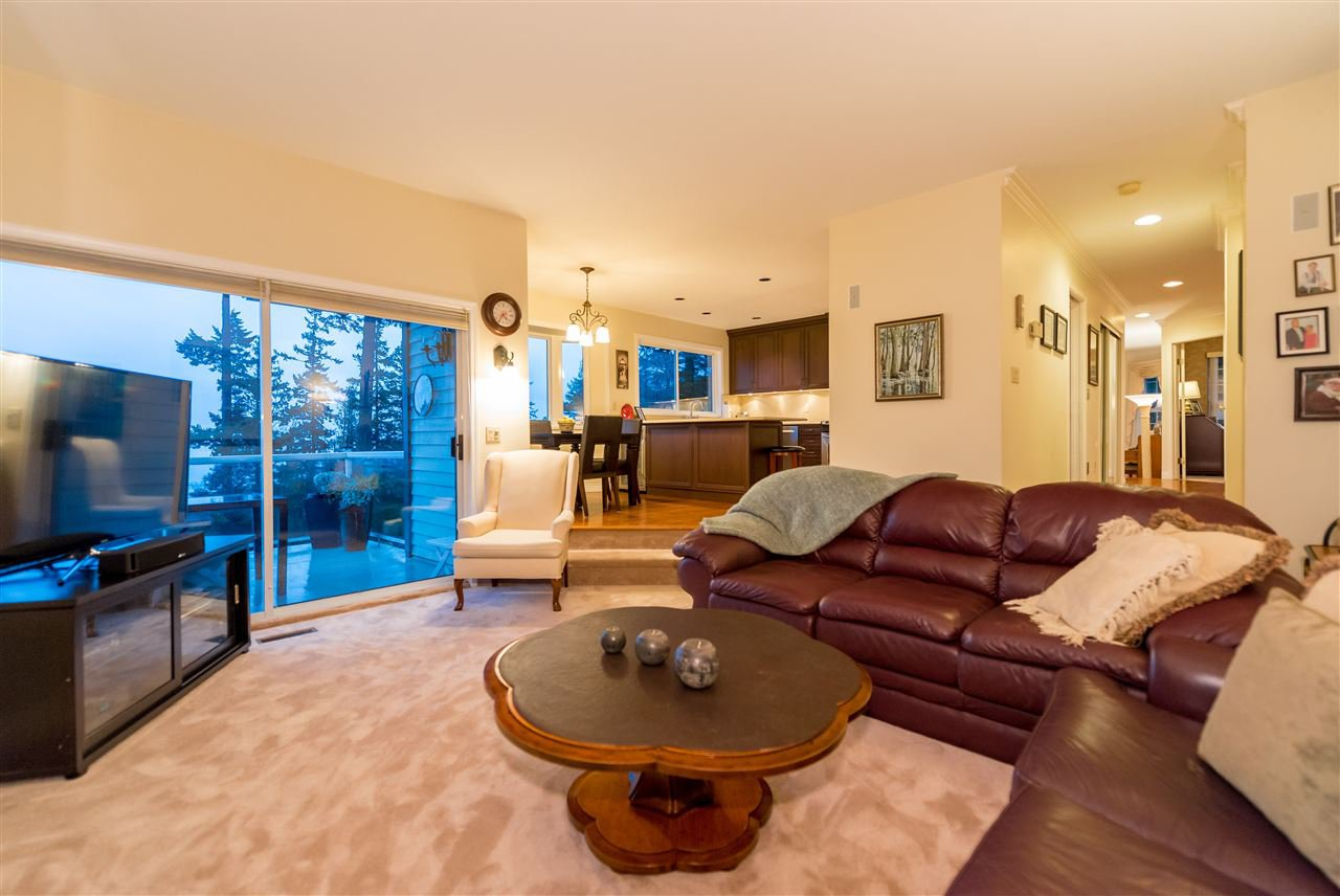 "Photo 3: Photos: 5092 PINETREE Crescent in West Vancouver: Upper Caulfield House for sale in ""Upper Caulfeild"" : MLS®# R2026450"