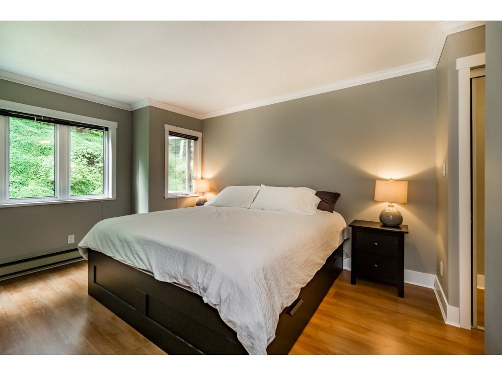 """Photo 11: Photos: 203 3970 LINWOOD Street in Burnaby: Burnaby Hospital Condo for sale in """"CASCADE VILLAGE-THE PALISADES"""" (Burnaby South)  : MLS®# R2092917"""