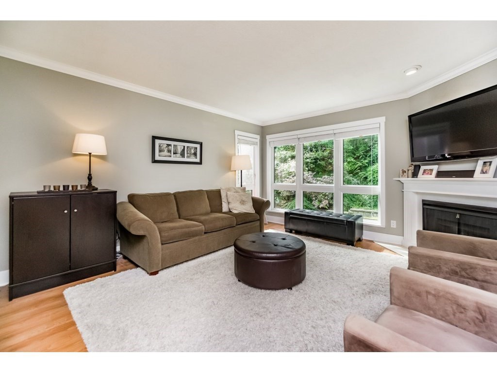 """Photo 3: Photos: 203 3970 LINWOOD Street in Burnaby: Burnaby Hospital Condo for sale in """"CASCADE VILLAGE-THE PALISADES"""" (Burnaby South)  : MLS®# R2092917"""