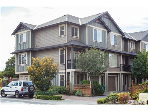 Main Photo: 130 2920 Phipps Rd in VICTORIA: La Langford Proper Row/Townhouse for sale (Langford)  : MLS®# 741389