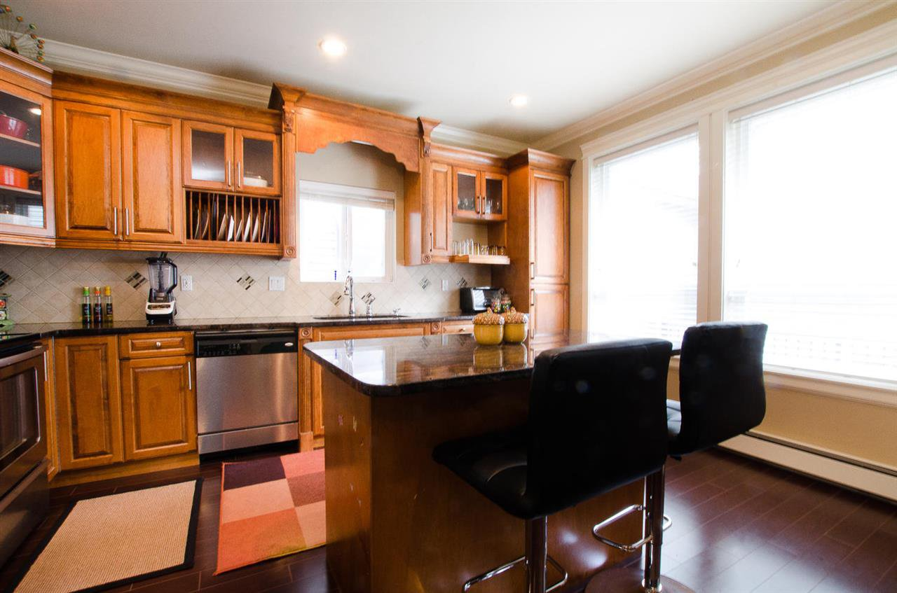 Photo 8: Photos: 6228 148 Street in Surrey: Sullivan Station House for sale : MLS®# R2158398