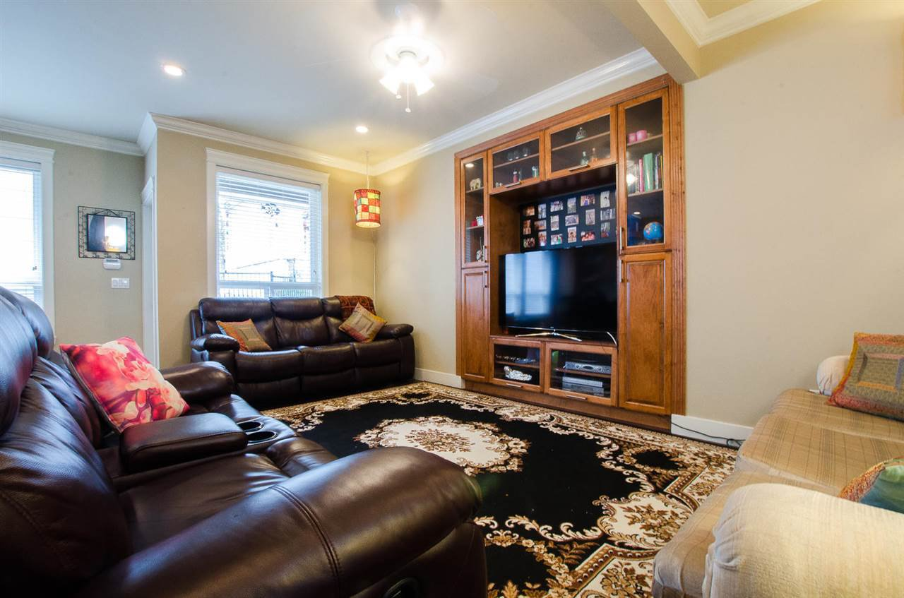 Photo 7: Photos: 6228 148 Street in Surrey: Sullivan Station House for sale : MLS®# R2158398