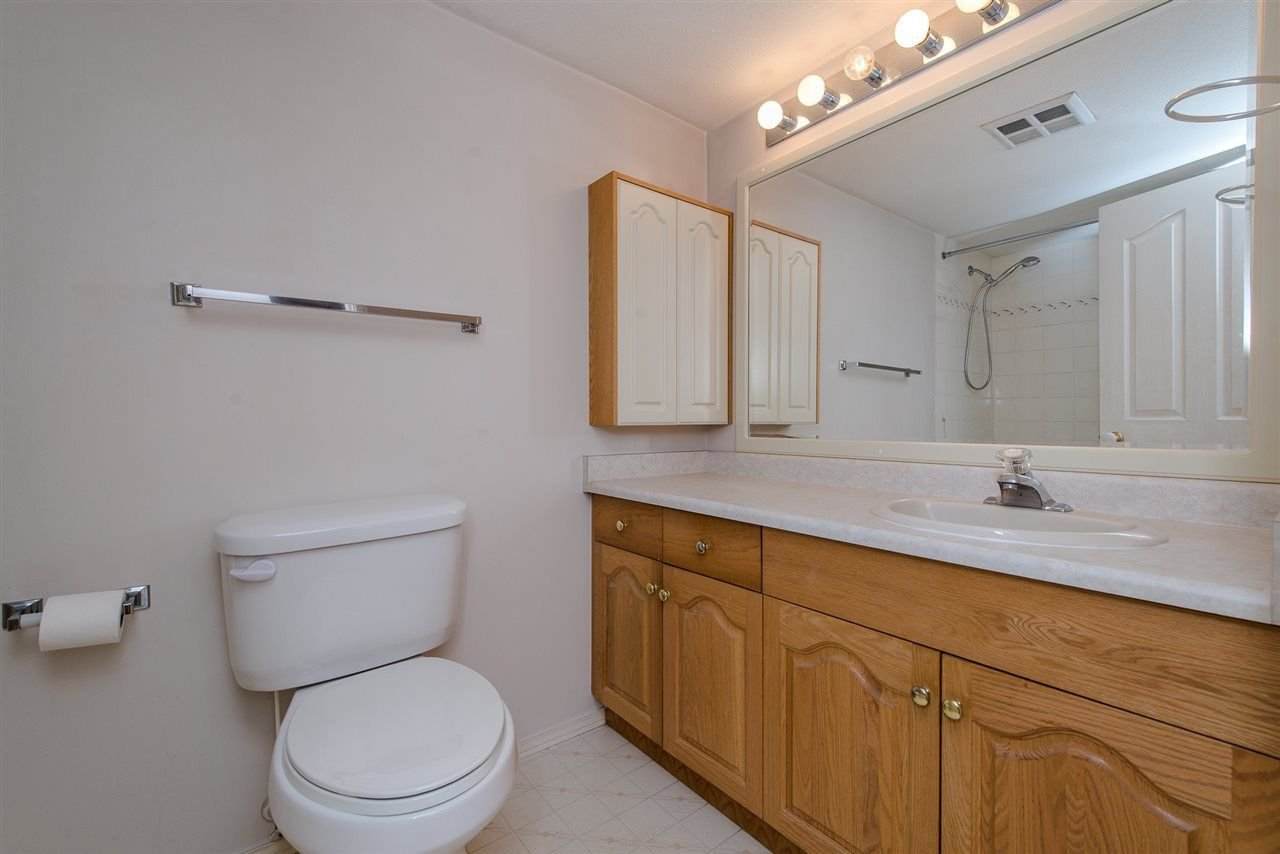 """Photo 6: Photos: 117 2626 COUNTESS Street in Abbotsford: Abbotsford West Condo for sale in """"The Wedgewood"""" : MLS®# R2218687"""