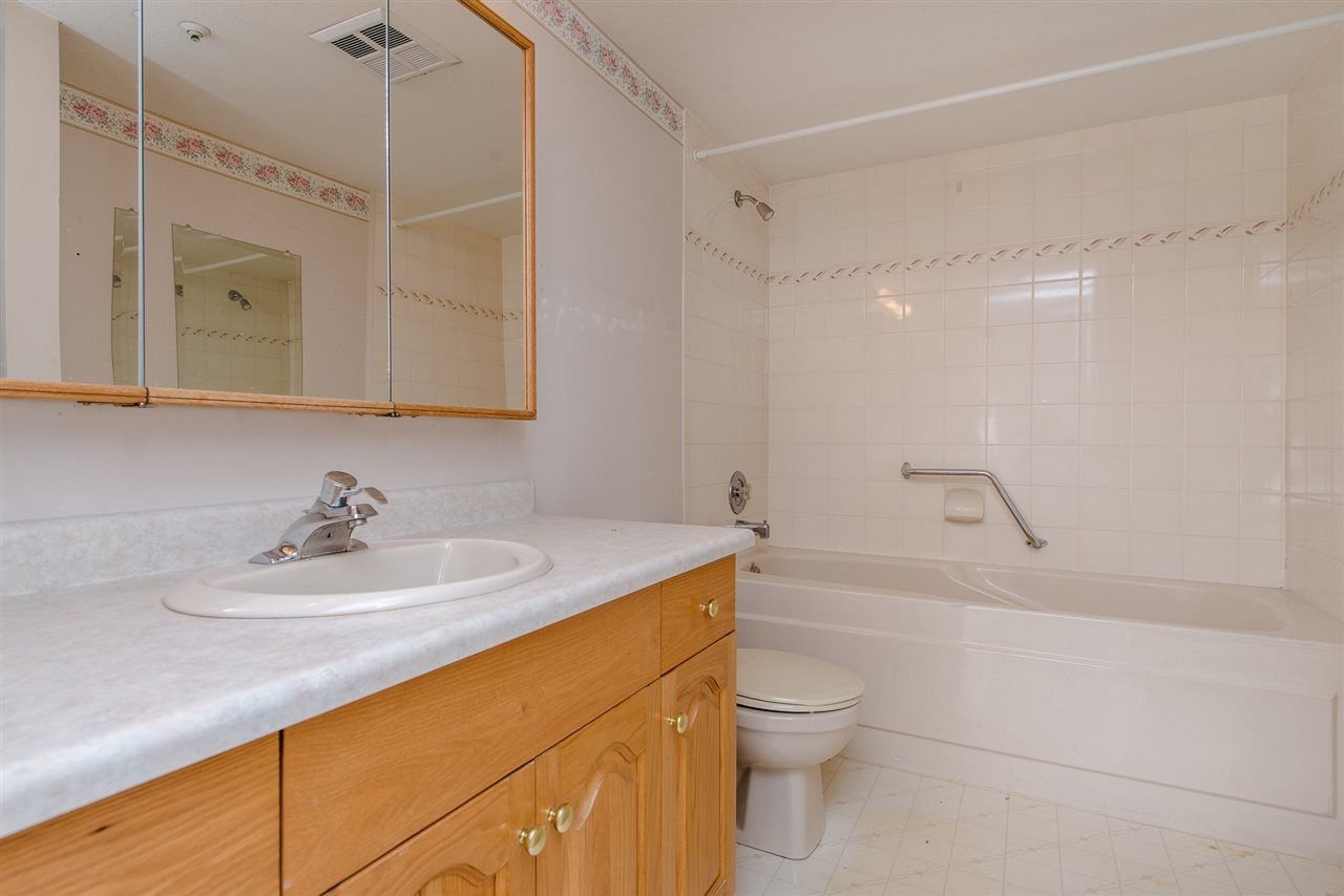 """Photo 14: Photos: 117 2626 COUNTESS Street in Abbotsford: Abbotsford West Condo for sale in """"The Wedgewood"""" : MLS®# R2218687"""