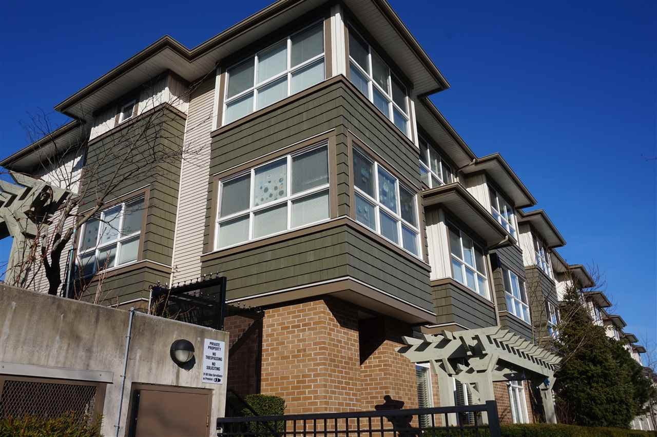 Main Photo: 11 15353 100 Avenue in Surrey: Guildford Condo for sale (North Surrey)  : MLS®# R2247423