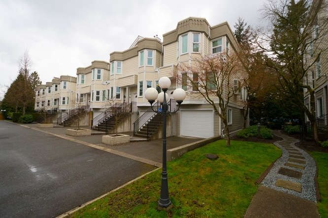 "Main Photo: 20 10340 156 Street in Surrey: Guildford Townhouse for sale in ""KINGSBROOK"" (North Surrey)  : MLS®# R2262664"