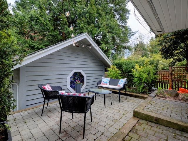 Photo 19: Photos: 1942 BANBURY Road in North Vancouver: Deep Cove House for sale : MLS®# R2264500