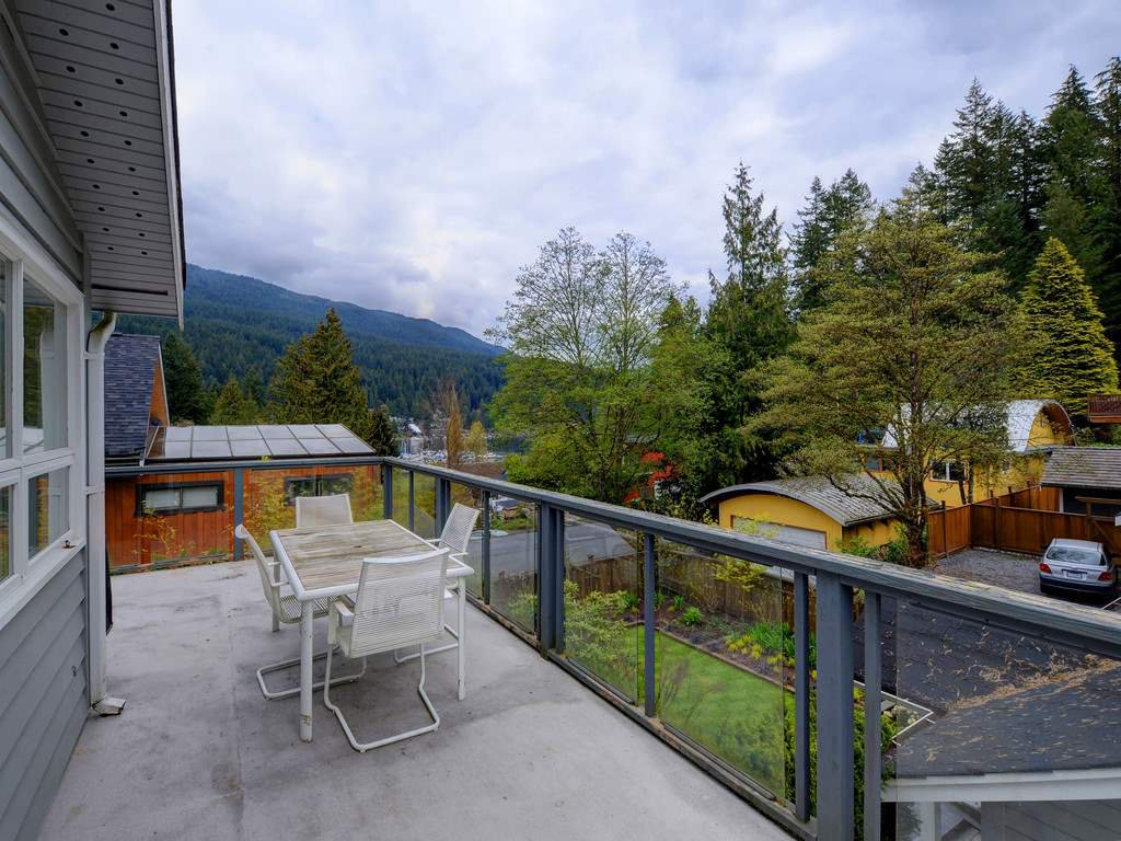 Photo 18: Photos: 1942 BANBURY Road in North Vancouver: Deep Cove House for sale : MLS®# R2264500