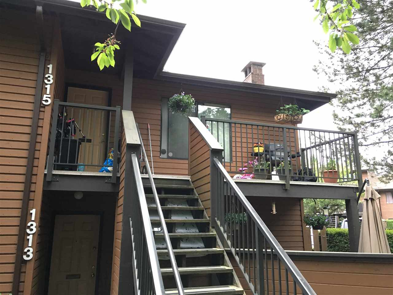 """Photo 17: Photos: 1315 10620 150 Street in Surrey: Guildford Townhouse for sale in """"LINCOLN'S GATE"""" (North Surrey)  : MLS®# R2268760"""