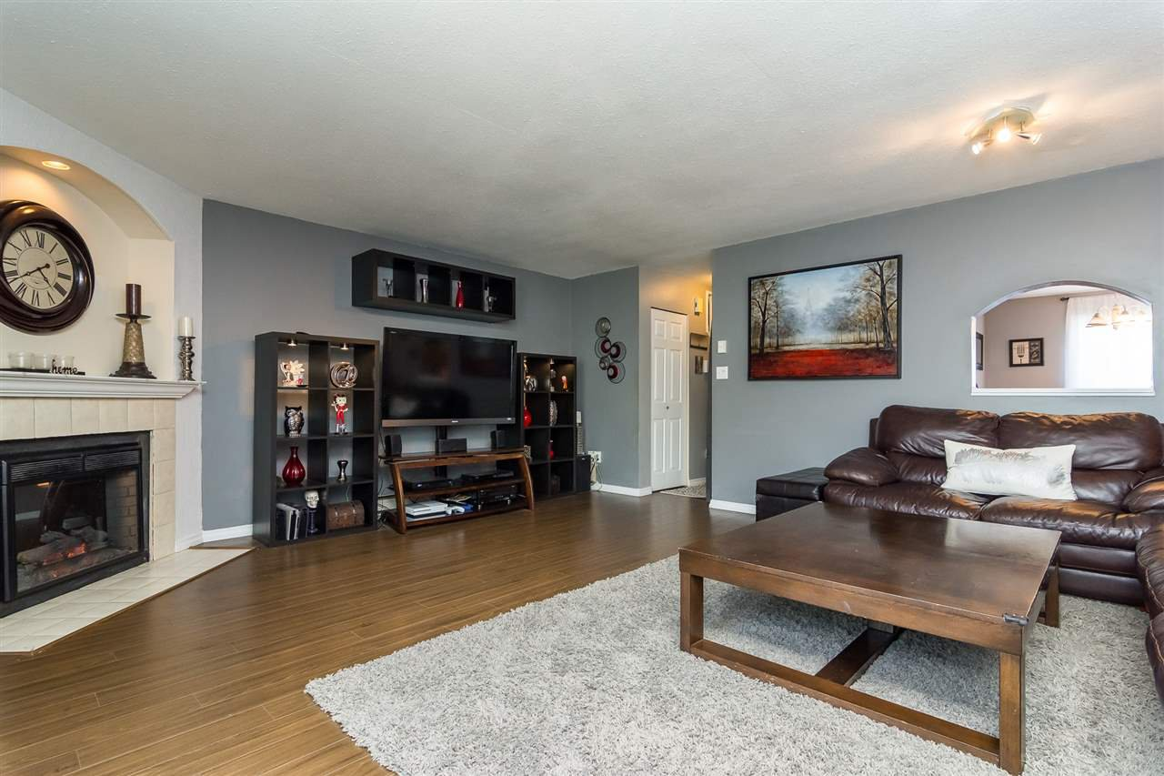 """Photo 9: Photos: 20 26970 32 Avenue in Langley: Aldergrove Langley Townhouse for sale in """"Parkside Village"""" : MLS®# R2273111"""