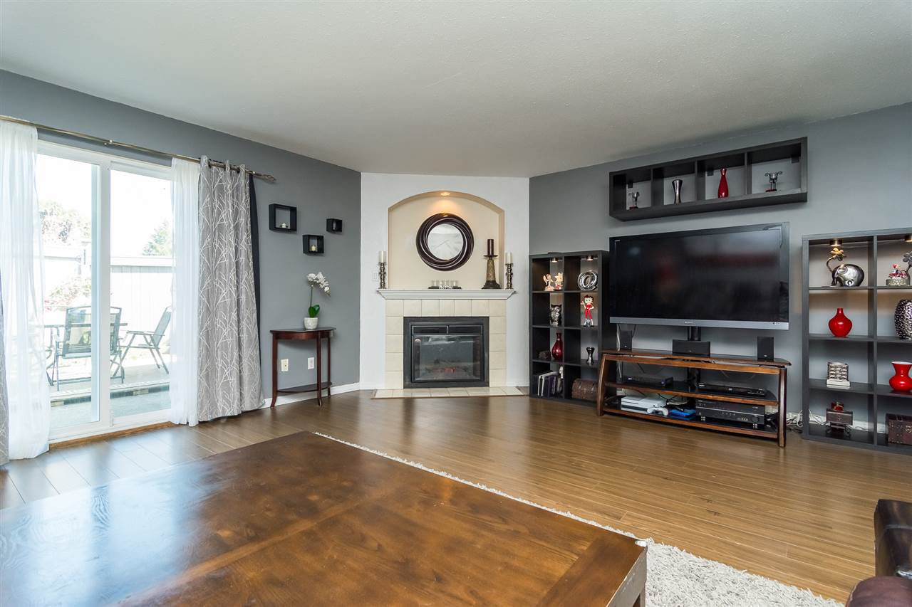 """Photo 10: Photos: 20 26970 32 Avenue in Langley: Aldergrove Langley Townhouse for sale in """"Parkside Village"""" : MLS®# R2273111"""