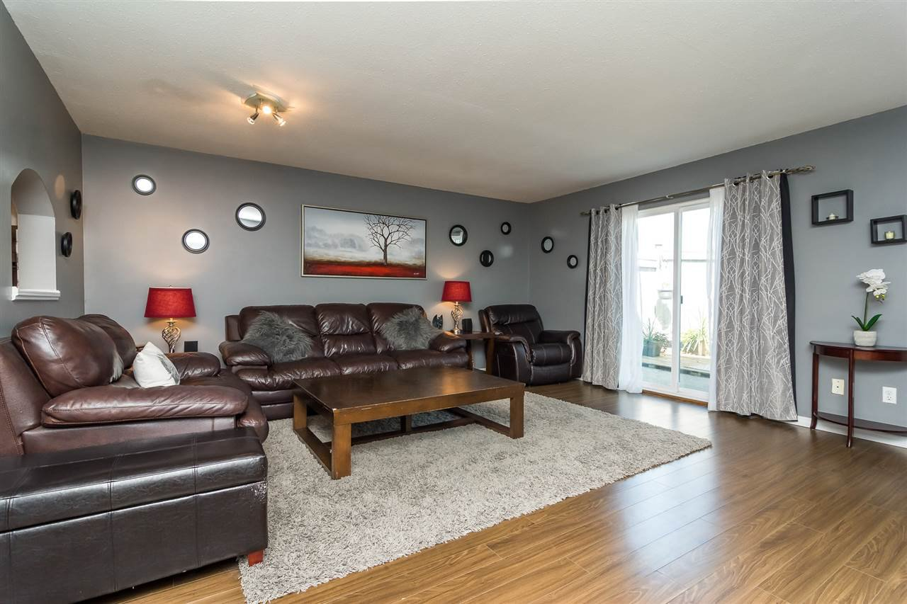 """Photo 7: Photos: 20 26970 32 Avenue in Langley: Aldergrove Langley Townhouse for sale in """"Parkside Village"""" : MLS®# R2273111"""