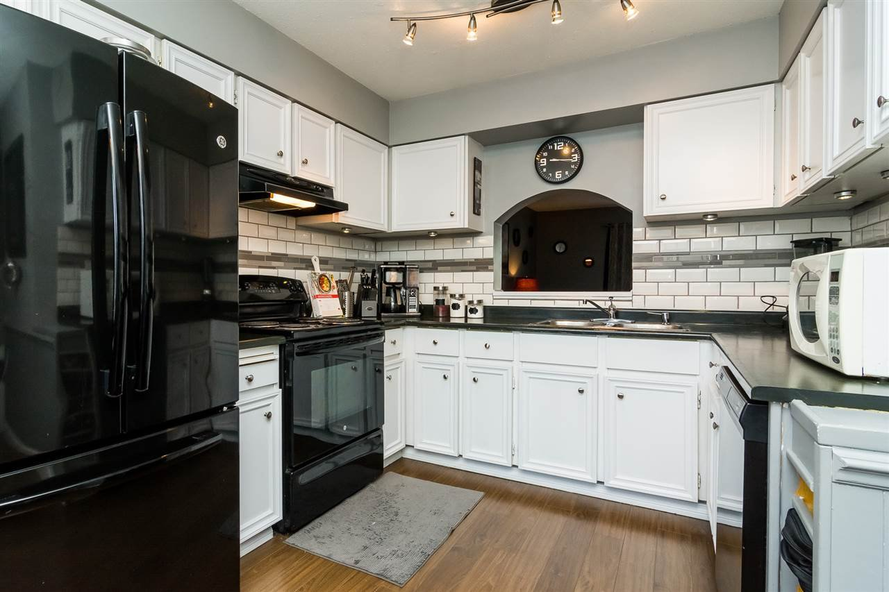 """Photo 2: Photos: 20 26970 32 Avenue in Langley: Aldergrove Langley Townhouse for sale in """"Parkside Village"""" : MLS®# R2273111"""