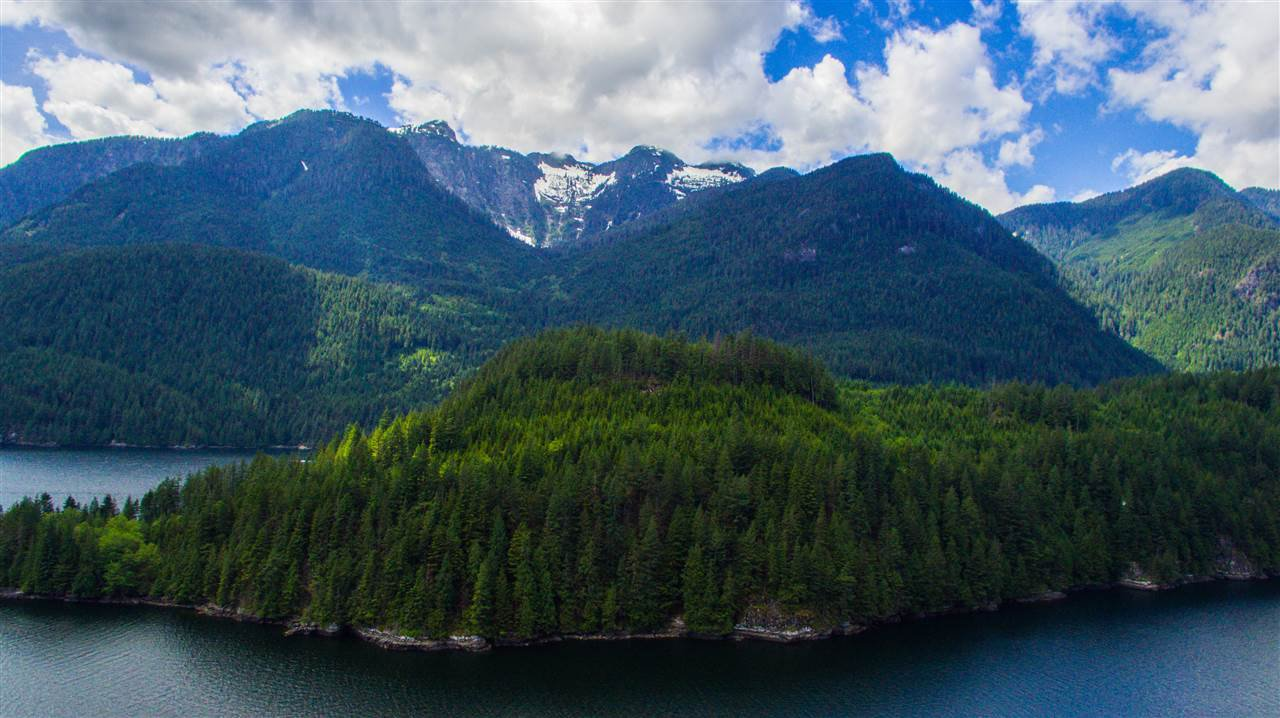 """Photo 11: Photos: 15 E OF CROKER ISLAND in North Vancouver: Indian Arm House for sale in """"HELGA BAY"""" : MLS®# R2280683"""