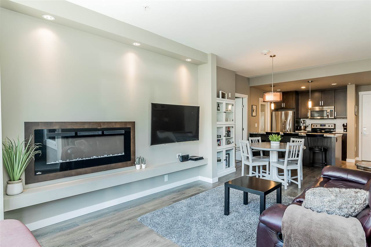 """Photo 10: Photos: 206 2242 WHATCOM Road in Abbotsford: Abbotsford East Condo for sale in """"Waterleaf"""" : MLS®# R2288895"""